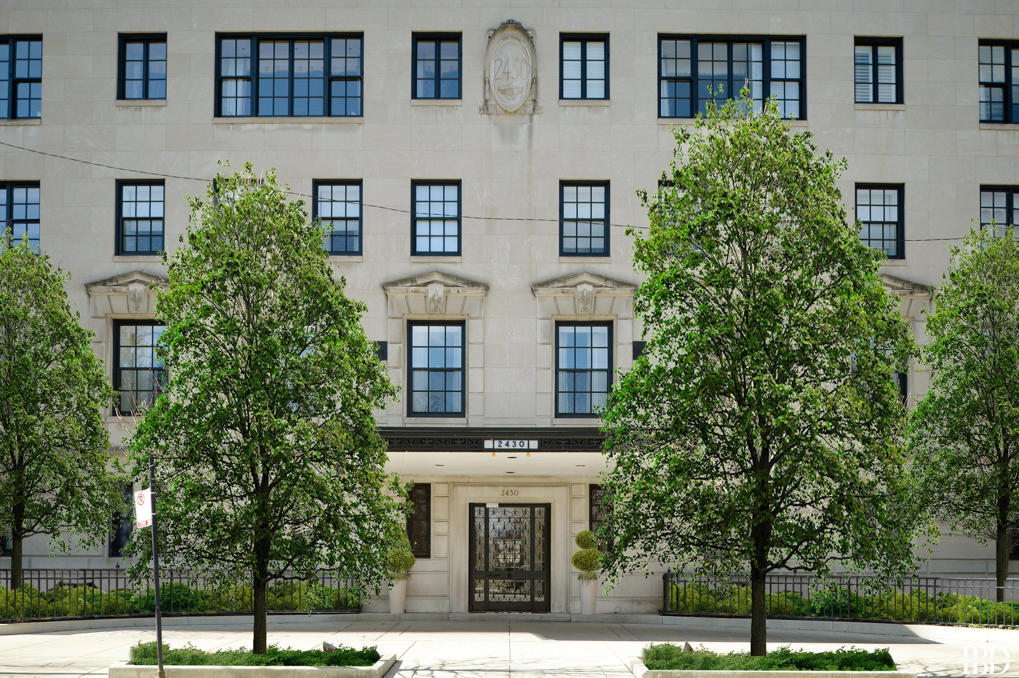 Lincoln Park Co-op Apartments for Sale